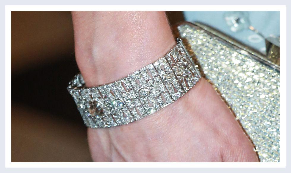 Queen Mary's Diamond Bar Choker Bracelet | Photo Credit: YouTube/ Top News 24h