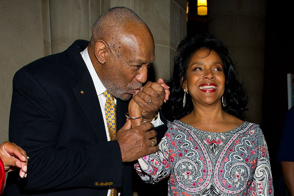 Bill Cosby and Phylicia Rashad at the 2nd annual Legacy to Promise Gala, September 2011. | Photo: Getty Images