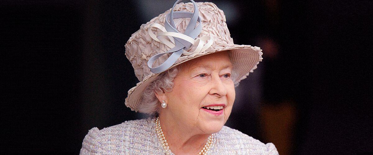 Rare vidéo de la Reine Elisabeth courant après le Petit Prince William (Twitter)