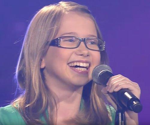 Laura während ihres Auftritts | Quelle: Screenshot YouTube