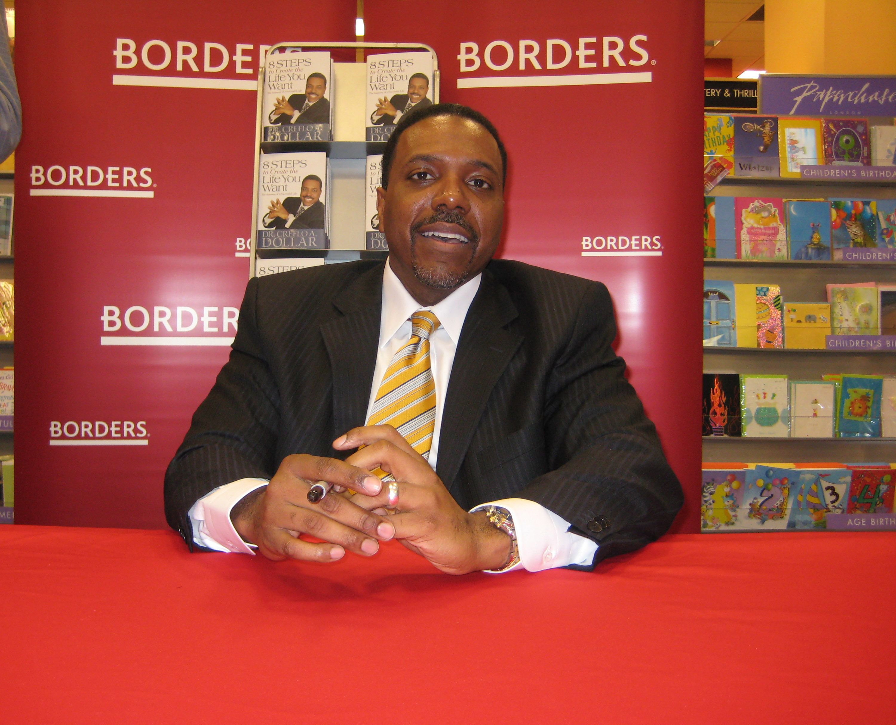"""Creflo Dollar at a book signing for """"8 Steps to Create the Life You Want""""  in New York City in 2008 