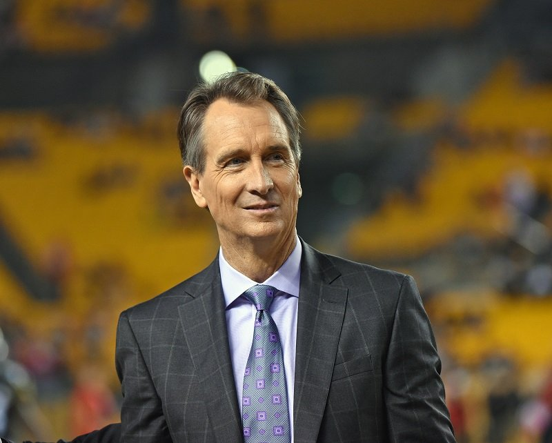 Cris Collinsworth at Heinz Field on October 2, 2016 in Pittsburgh, Pennsylvania | Photo: Getty Images