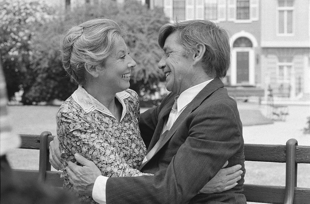 """Michael Learned and Ralph Waite while filming the episde """"The Empty Nest"""" on June 16, 1978. 