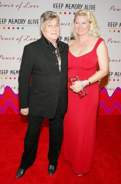 Tony Curtis (L) and his wife Jill Curtis arrive at the Keep Memory Alive Foundation's 10th annual gala to benefit the Lou Ruvo Alzheimer's Institute at the MGM Grand Conference Center February 11, 2006, in Las Vegas, Nevada. | Source: Getty Images.