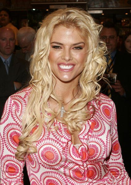 Anna Nicole Smithat Grand Central Station in New York City.| Photo: Getty Images.