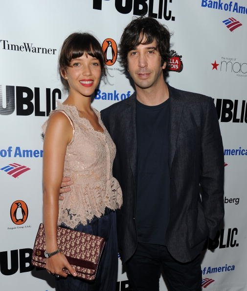 Zoe Buckman and actor David Schwimmer attend the 2010 Public Theater Gala at the Delacorte Theater on June 21, 2010, in New York City. | Source: Getty Images.