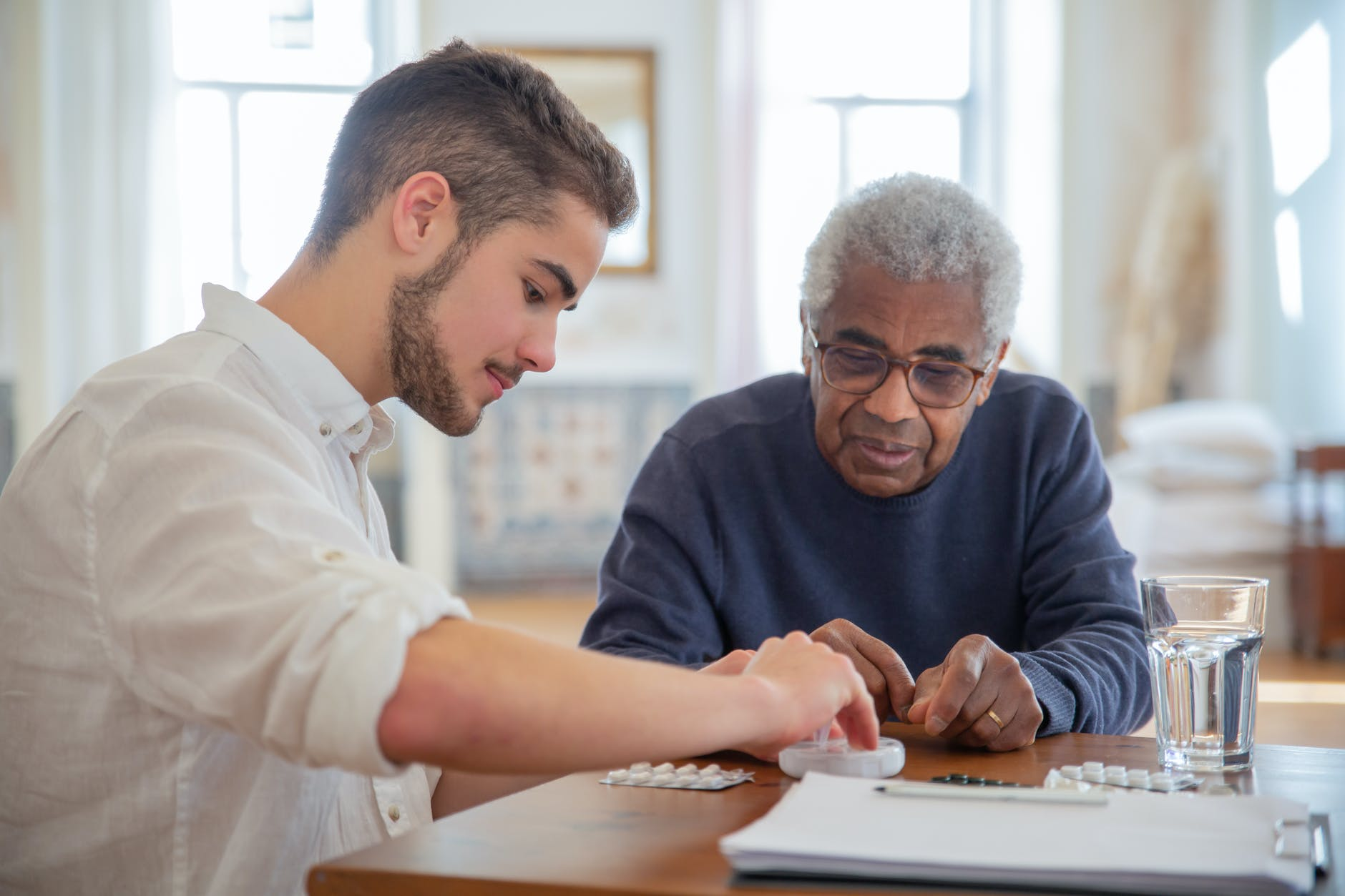 As a teenager, I volunteered at a nursing home to assuage my guilt. | Source: Pexels