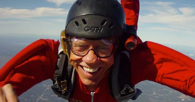Skydiver Carl Daugherty Dies at 76 After Colliding Mid-Air With Another Parachutist