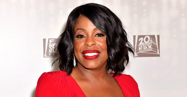 Niecy Nash of 'Uncorked' Sunbathes While Floating on Glittery Pink Flamingo in a TikTok Video
