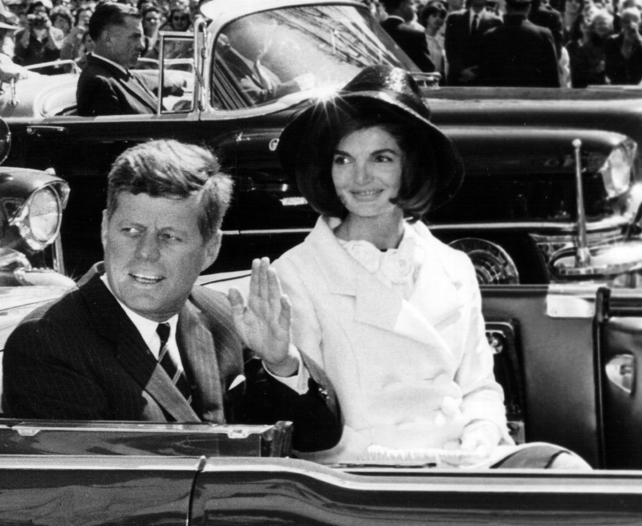 President JFK and Jackie Kennedy at a parade, 1963 | Photo: Getty Images