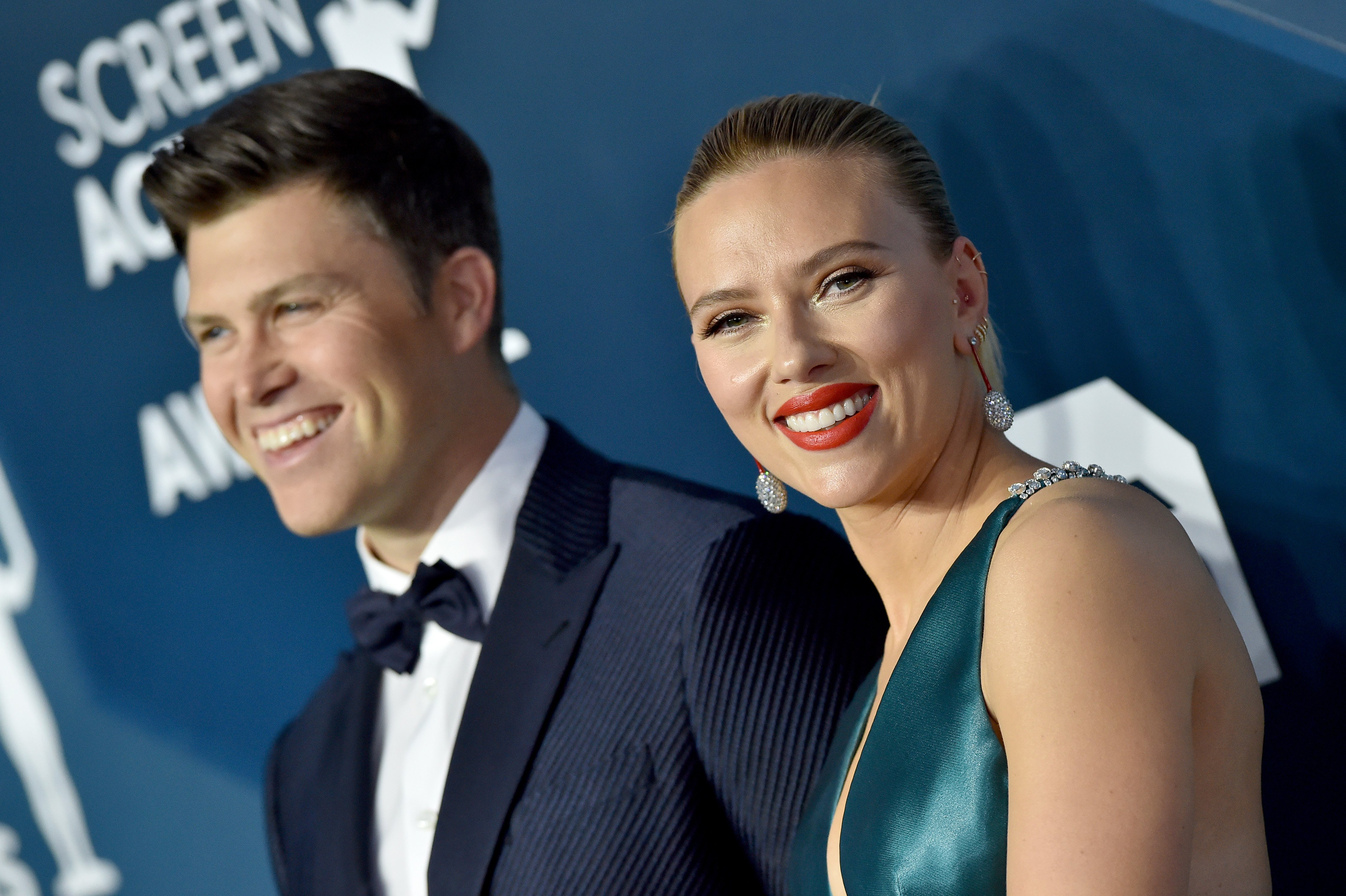 Comedian Colin Jost and Scarlett Johansson attend the 26th Annual Screen Actors Guild Awards at The Shrine Auditorium on January 19, 2020 in Los Angeles, California | Photo: Getty Images