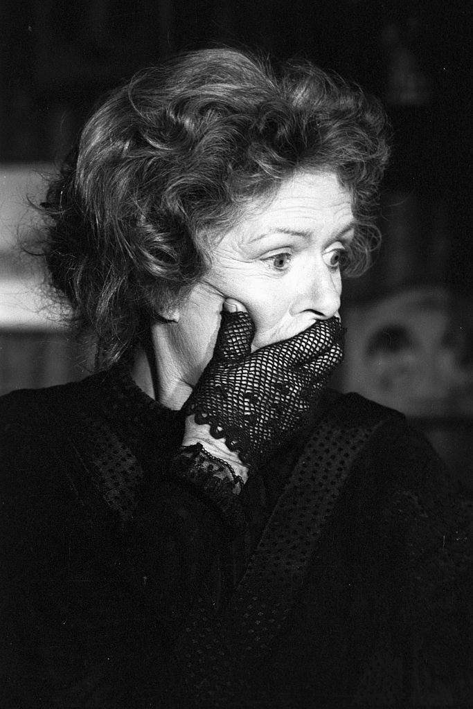 "Madeleine Robinson sur le tournage de ""La métamorphose"" 