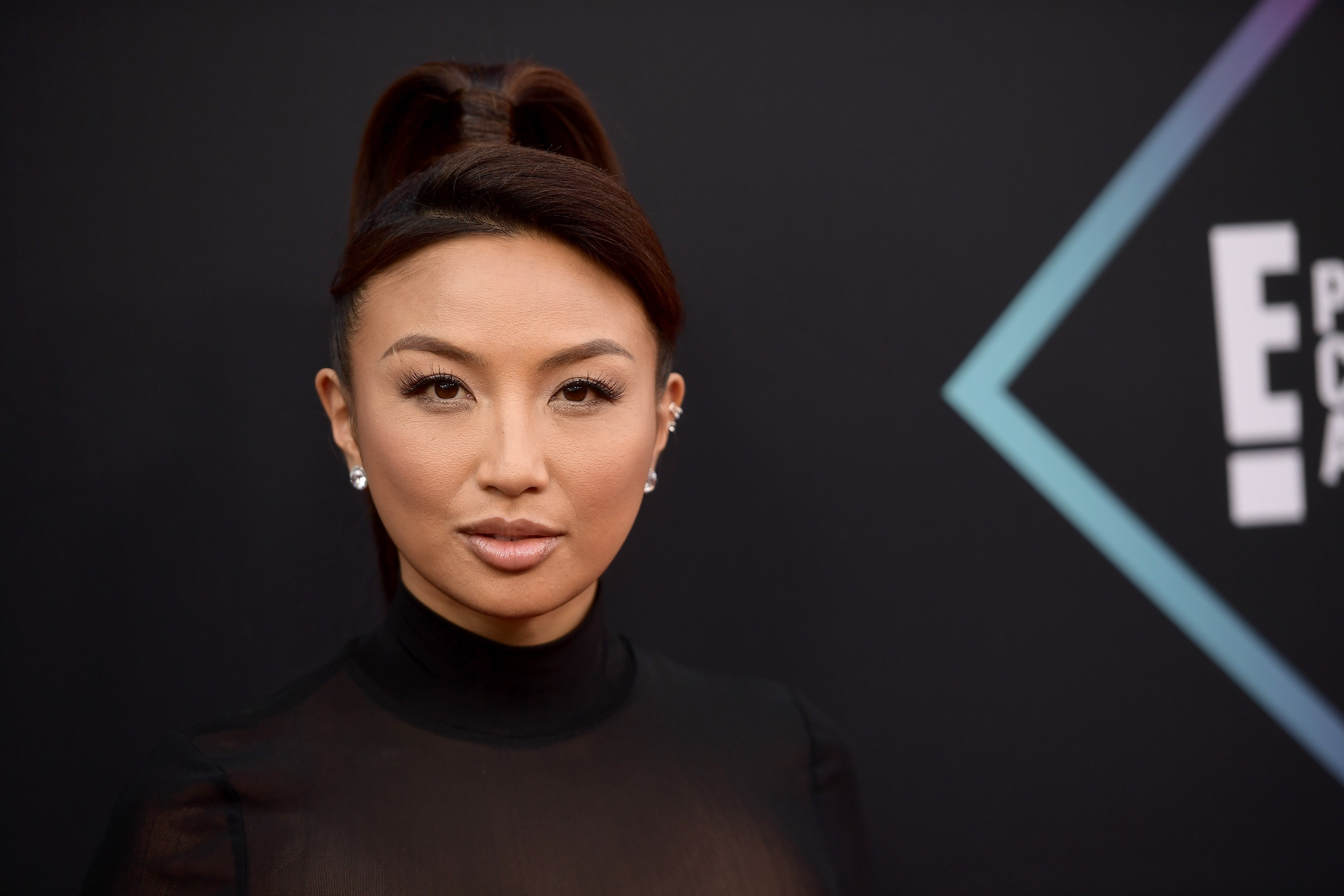 Jeannie Mai attends the People's Choice Awards 2018 at Barker Hangar on November 11, 2018 | Photo: GettyImages