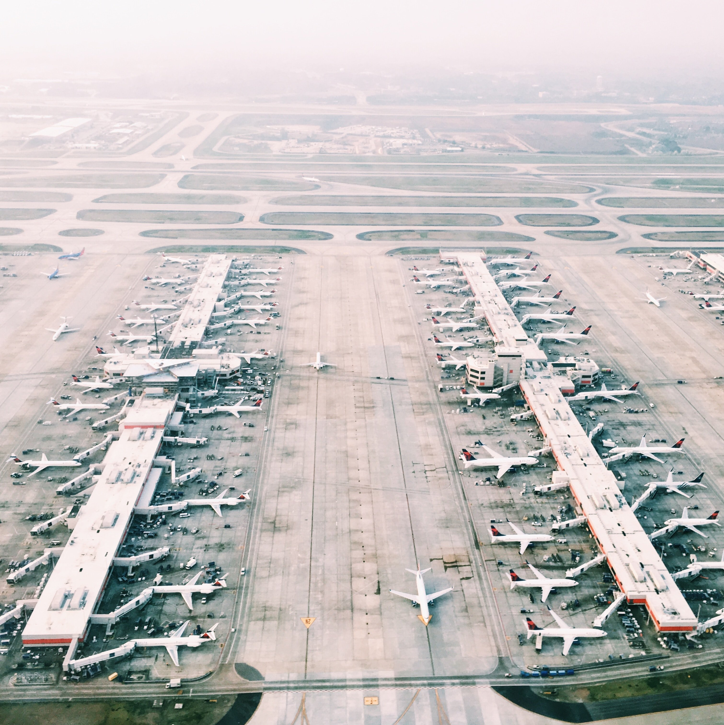 An arial view of an airport | Source: Unsplash.com