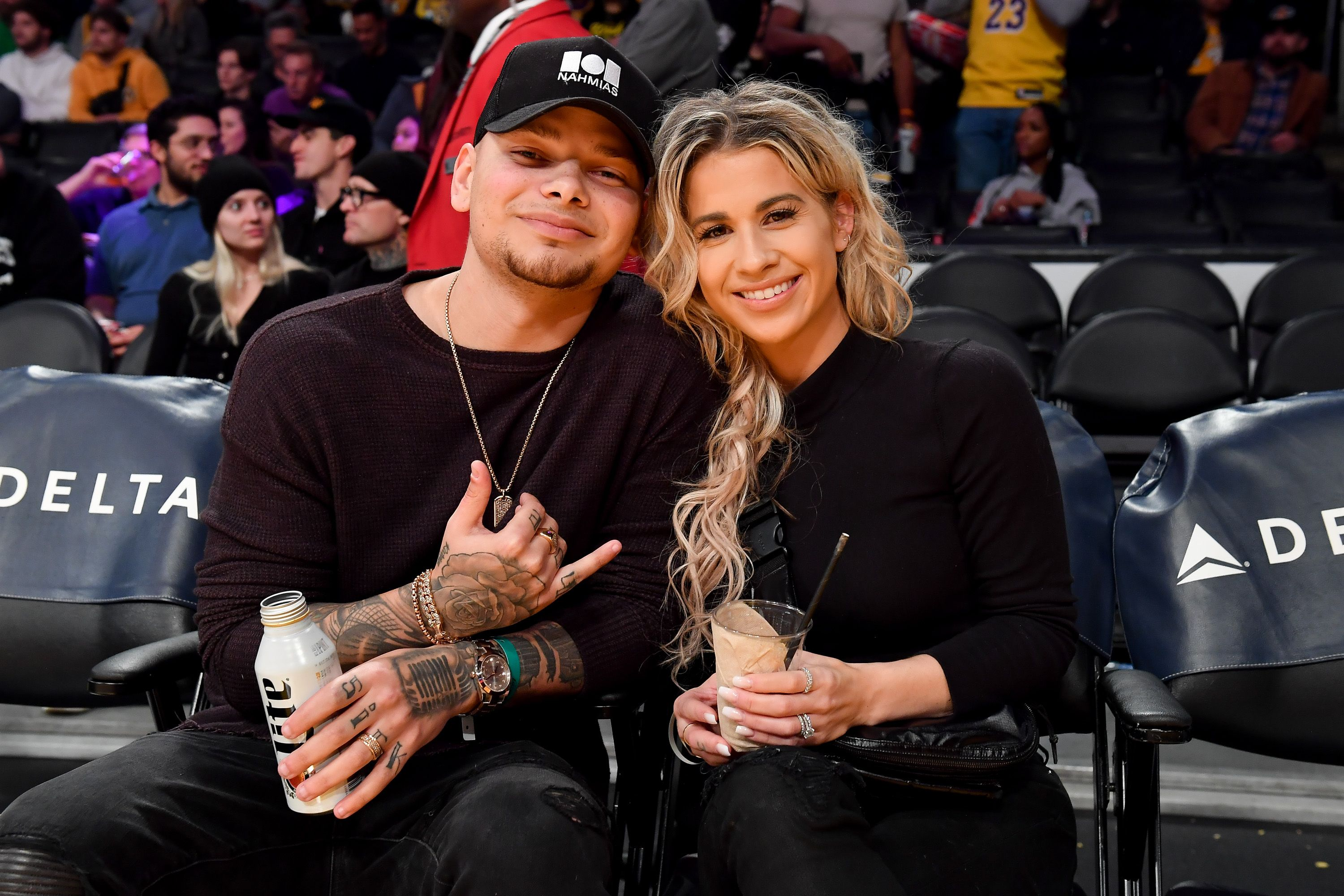 Kane Brown and Katelyn Jae at a basketball game between the Los Angeles Lakers and the New York Knicks in January 2020 in Los Angeles | Source: Getty Images