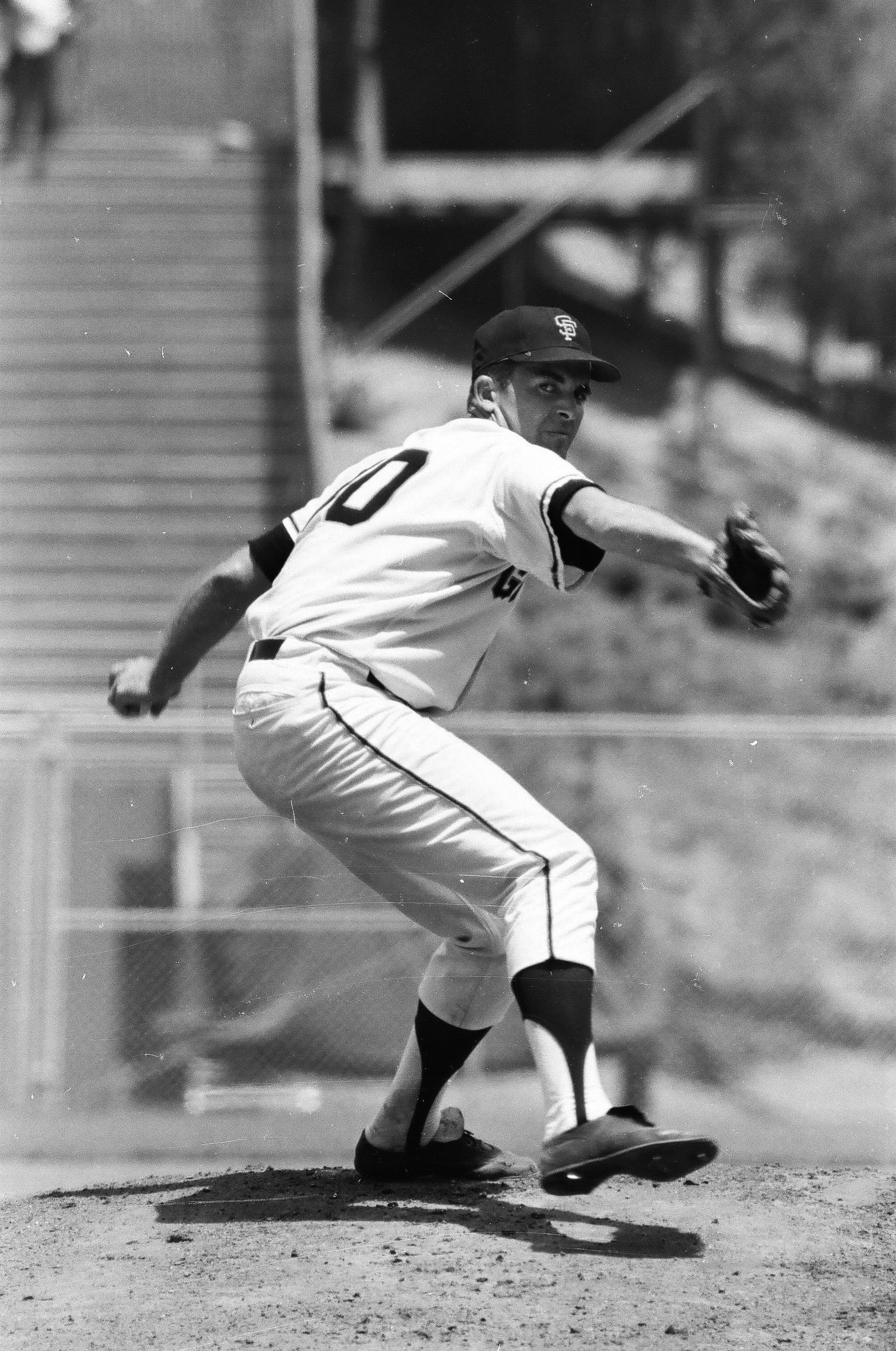 Mike McCormick of the San Francisco Giants pitches during the 1967 season. | Source: Getty Images.