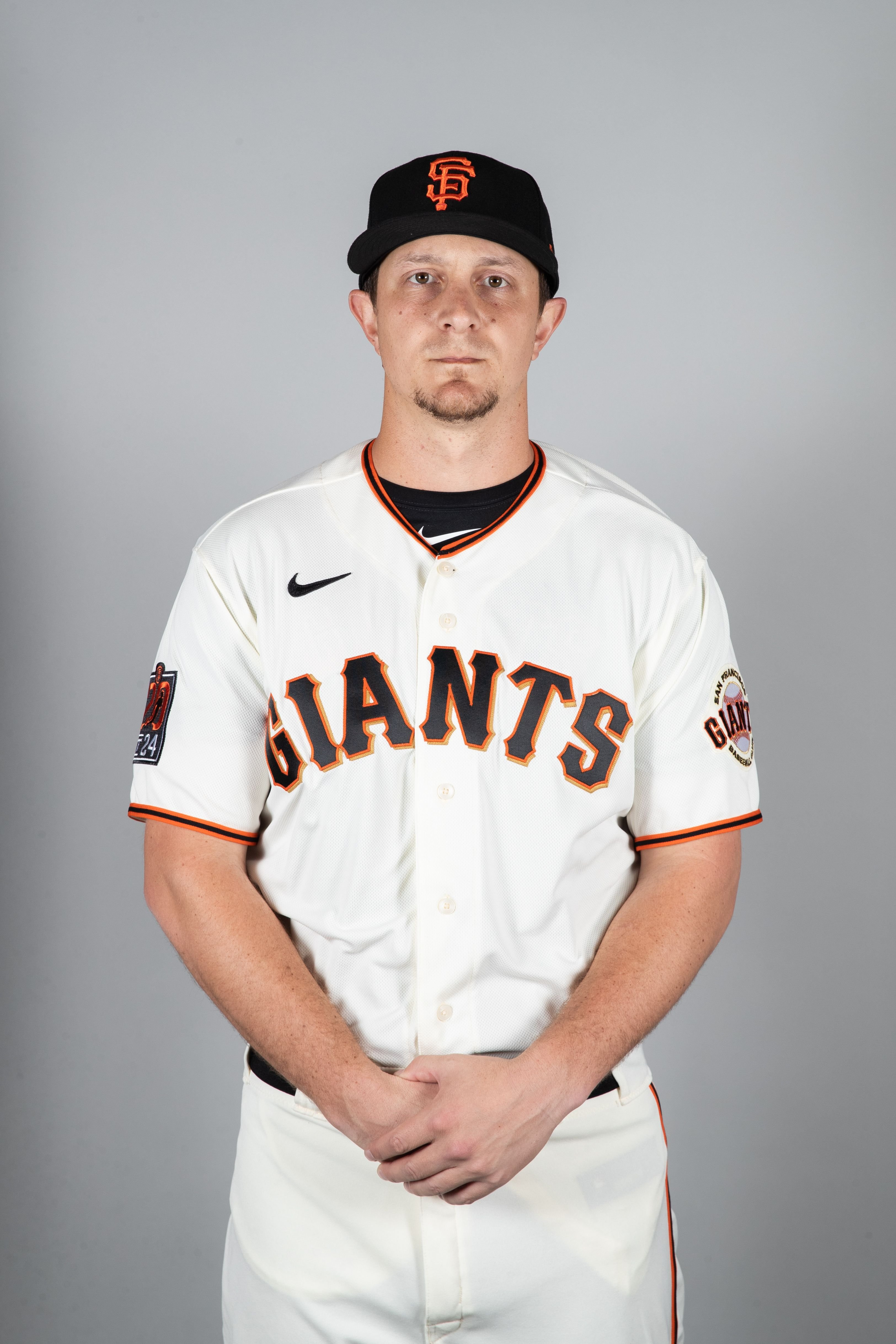 Alex Dickerson of the San Francisco Giants poses at Photo Day on Tuesday, February 18, 2020 | Photo: Getty Images