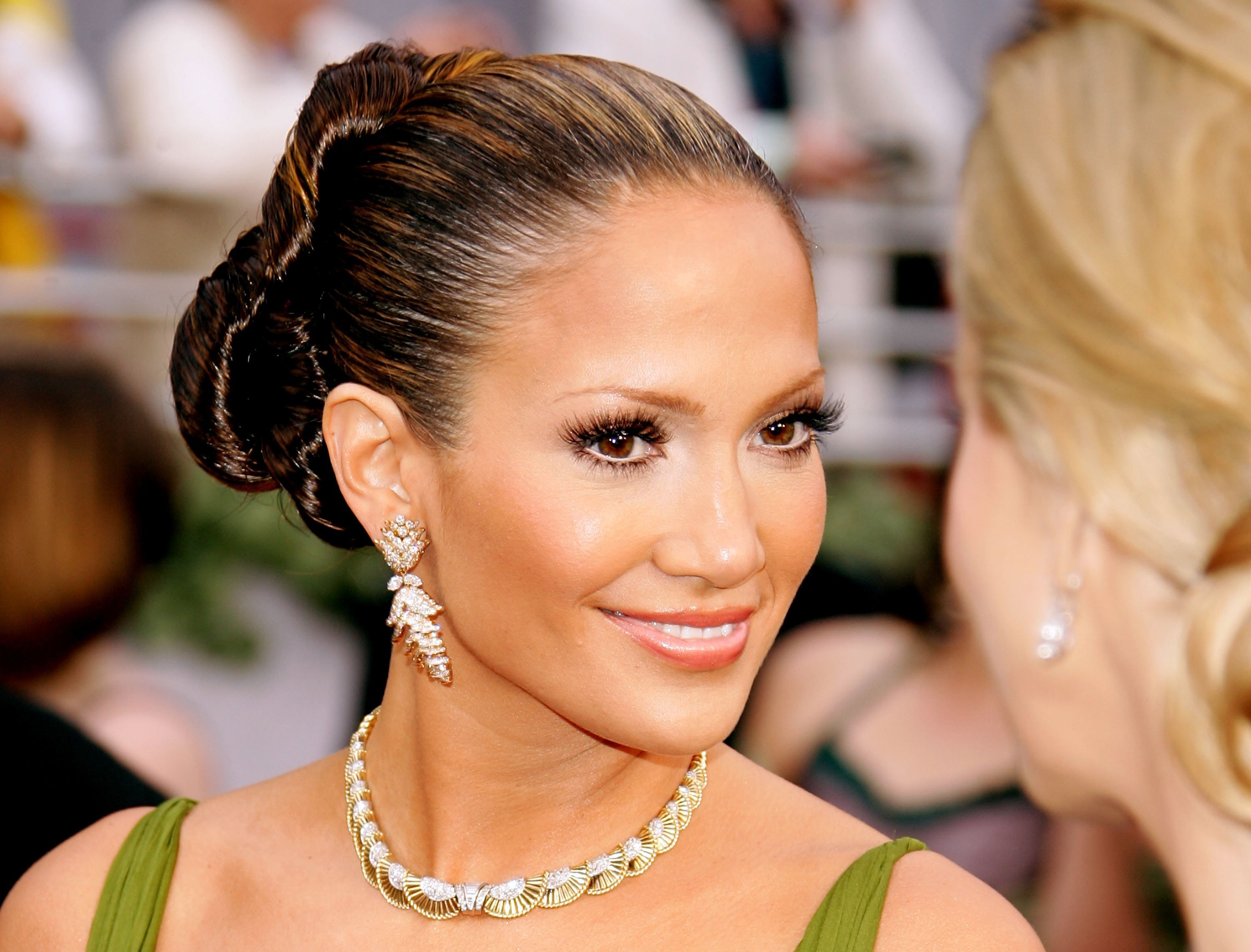 Singer and actress Jennifer Lopez during the 2006 Annual Academy Awards in California. | Photo: Getty Images