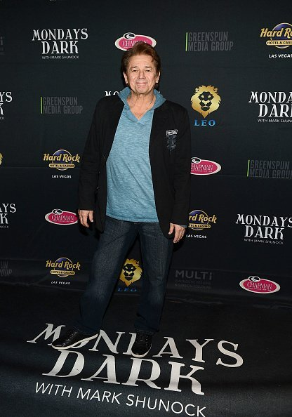 Adrian Zmed arrives at Mondays Dark: benefiting Clark County Injured Police Officers Fund | Photo: Getty Images