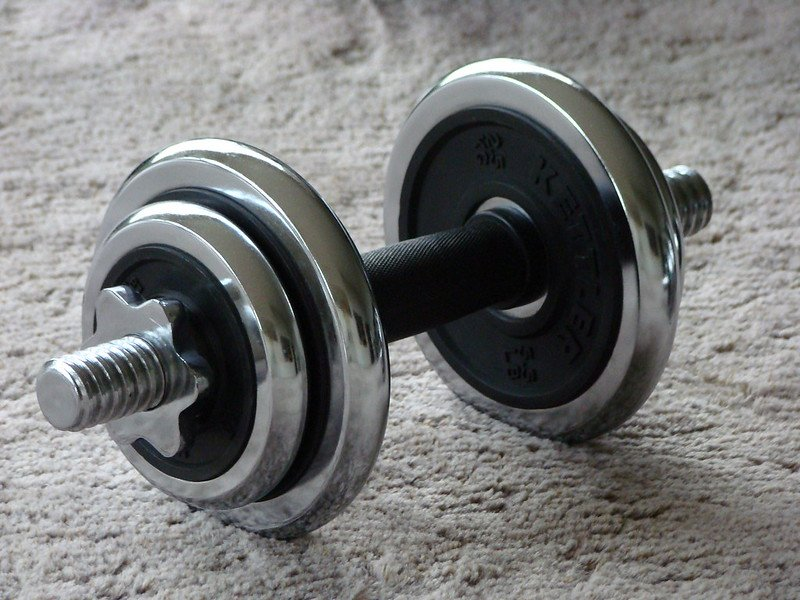 Picture of a dumbbell.   Photo: Flickr