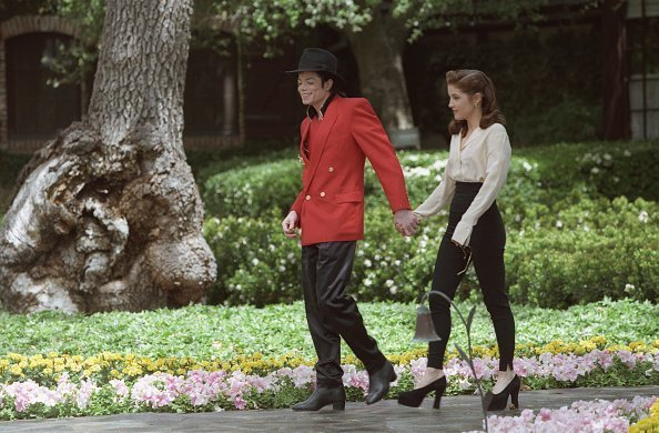 Michael Jackson and Lisa Marie Presley in Neverland | Photo: Getty Images