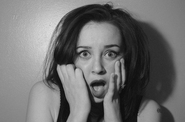 A shocked woman. | Source: Pixabay