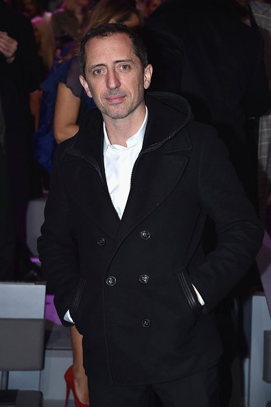 Gad Elmaleh assiste au défilé de mode de Victoria's Secret le 30 novembre 2016 à Paris, France. | Photo : Getty Images