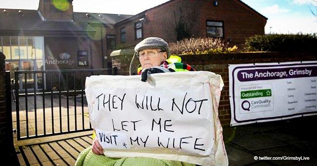 Prohiben a hombre de 89 años ver a su mujer y comienza protesta en silla de ruedas frente al asilo