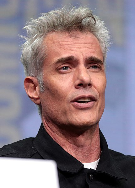 Dana Ashbrook speaking at the 2017 San Diego Comic-Con International. | Source: Wikimedia Commons
