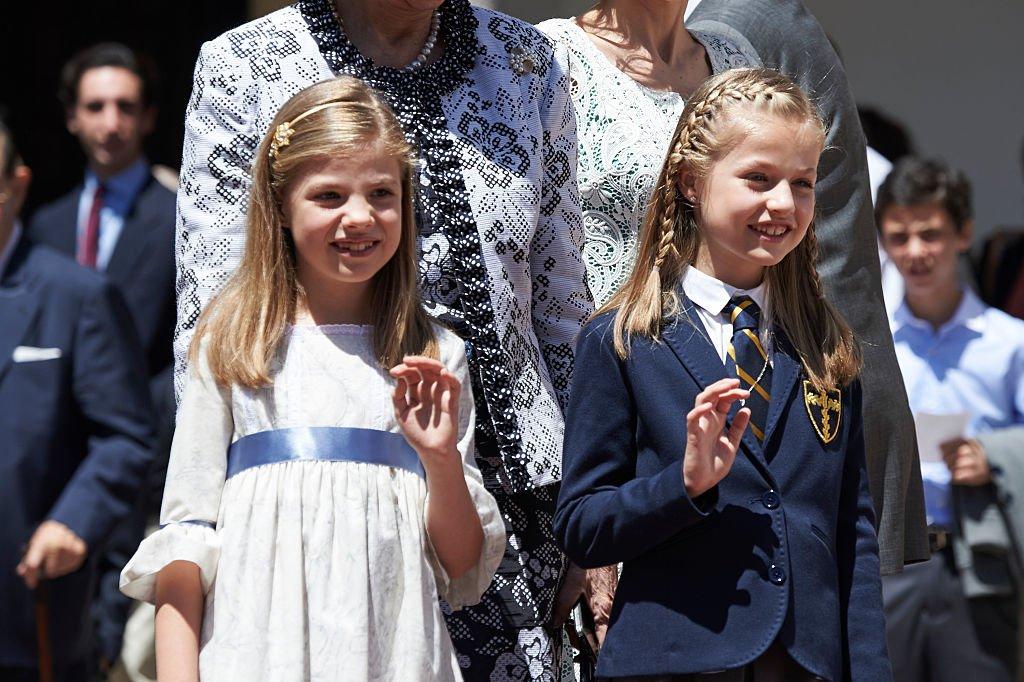 La princesa Leonor en su primera comunión junto a su hermana el 20 de mayo de 2015 en Madrid, España.   Foto: Getty Images
