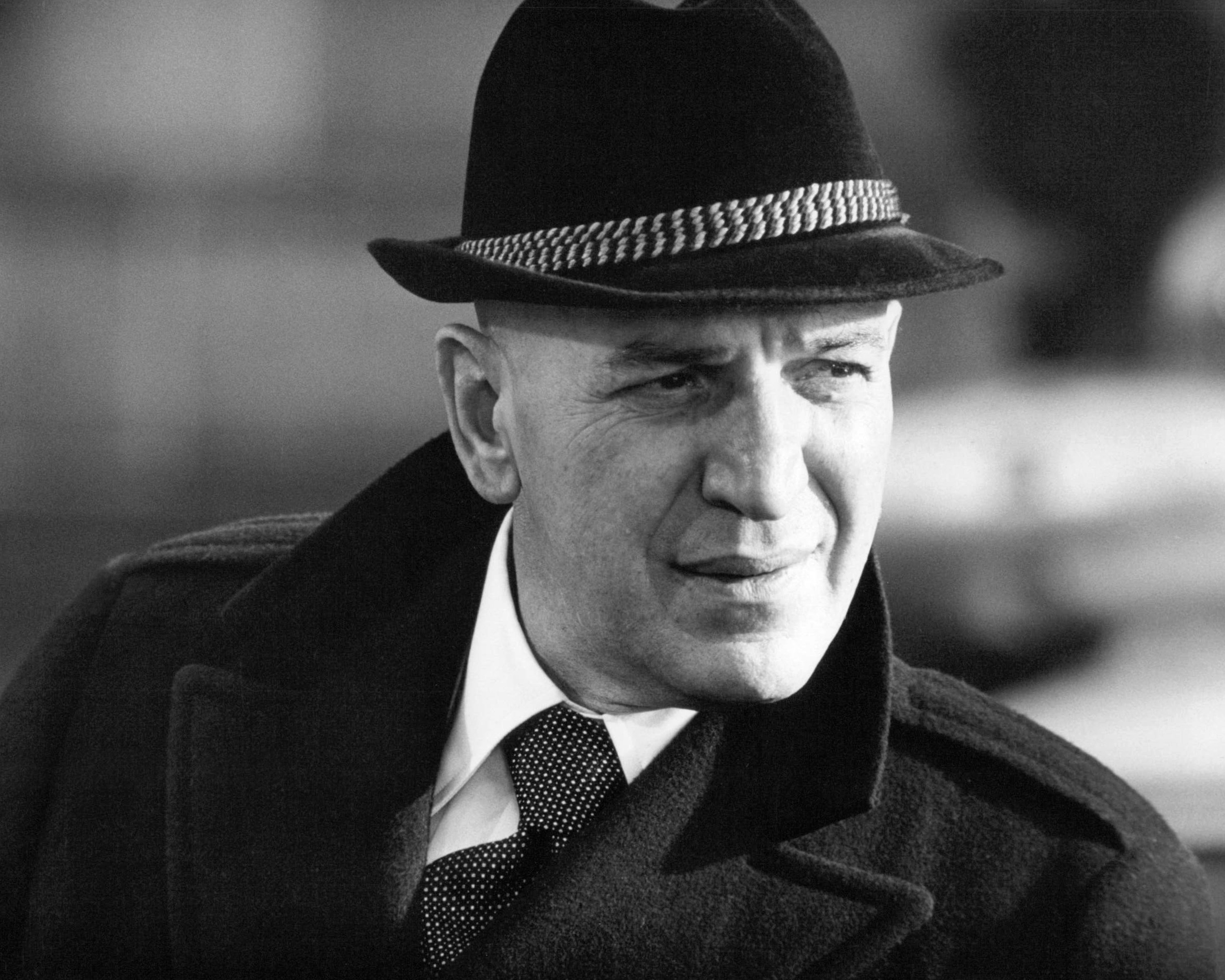 American actor Telly Savalas (1922 - 1994) as Detective Lieutenant Theo Kojak in the TV crime series 'Kojak', circa 1975 | Photo: Getty Images