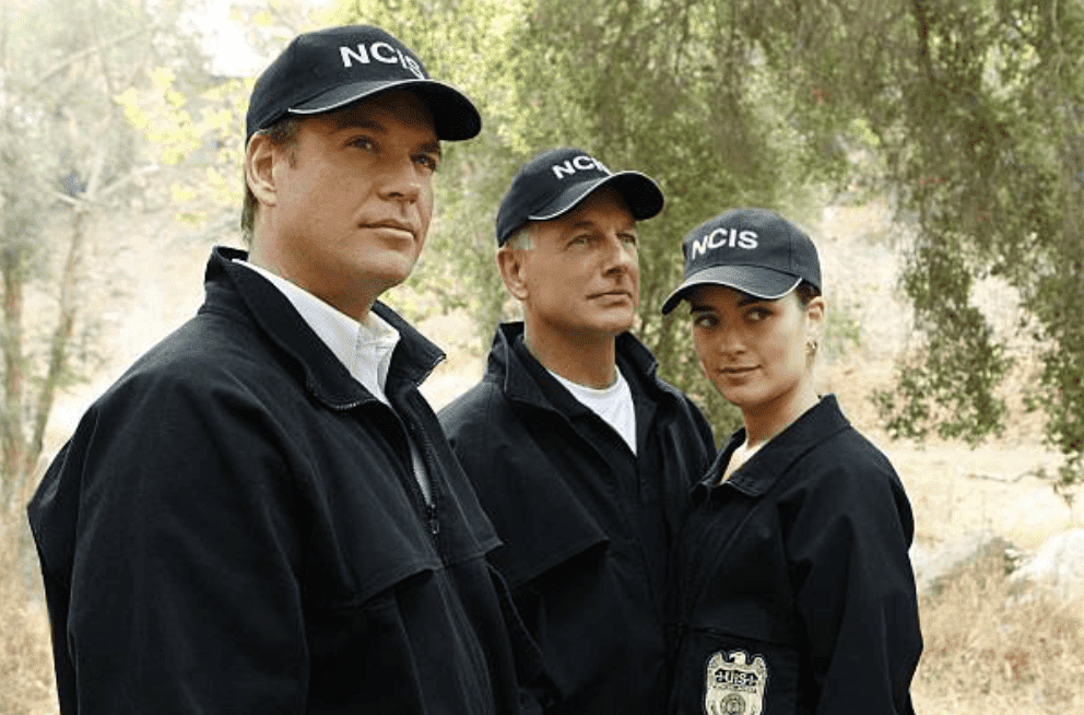 Michael Weatherly, Mark Harmon and Cote de Pablo film an scene outdoors on the set of NCIS, on September 28, 2009, Los Angeles | Getty Images