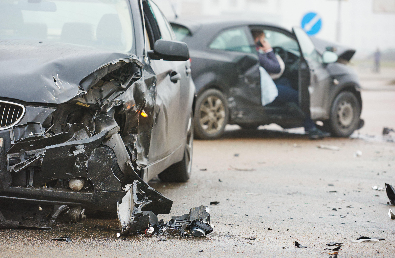 Un terrible accident de voiture. l Source: Shutterstock