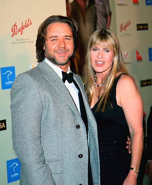 Russell Crowe and Terri Irwin arrive at the G'Day USA Penfolds Black Tie Icon Gala on January 13, 2007, in Los Angeles, California. | Source: Getty Images.