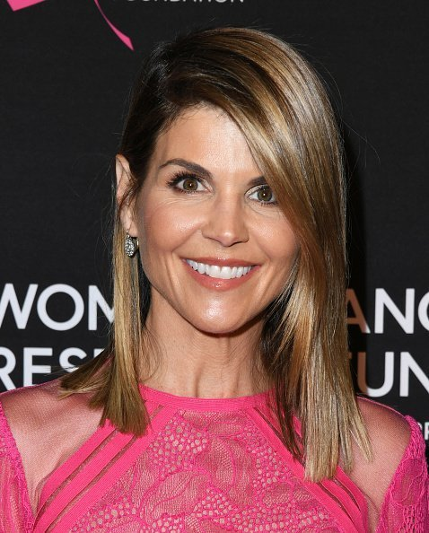 Lori Loughlin at The Women's Cancer Research Fund's Gala. | Photo: Getty Images