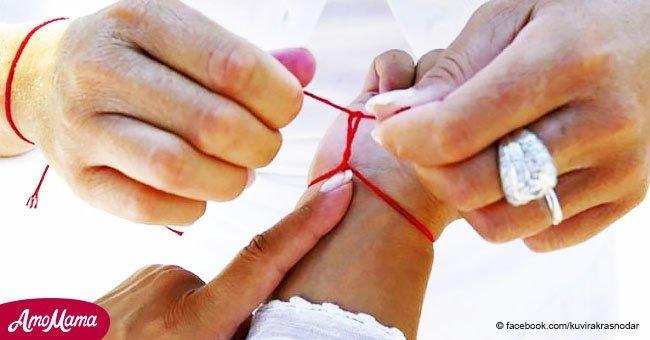 Avez-vous remarqué des gens utiliser un cordon rouge? Voici la signification secrète