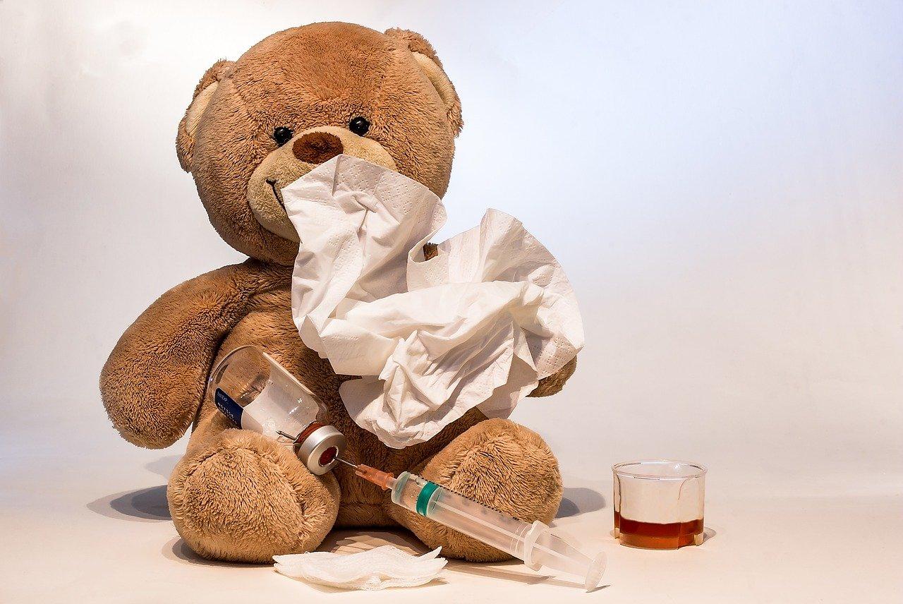 Teddybär mit Spritze - Quelle: Pixabay