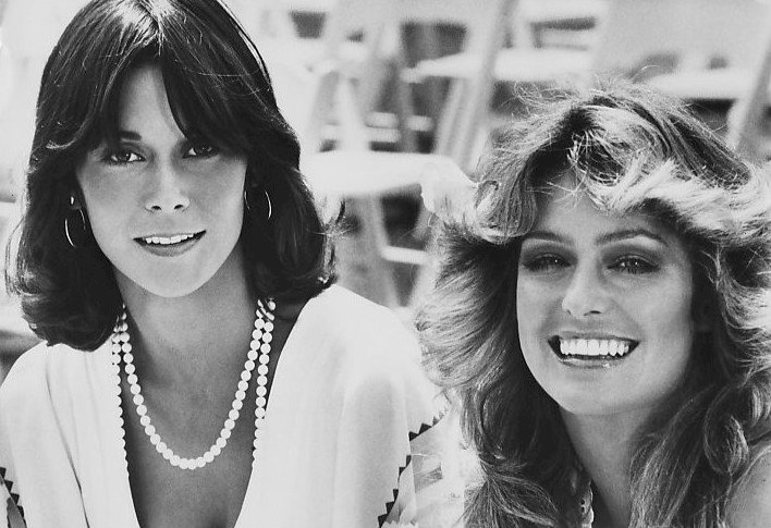 ate Jackson and Farrah Fawcett from the premiere of Charlie's Angels. | Source: WIkimedia Commons