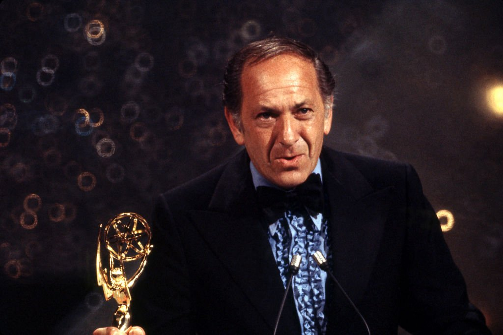 Jack Klugman on stage at The 25th Primetime Emmy Awards on May 20, 1973 at Shubert Theatre   Photo: Getty Images