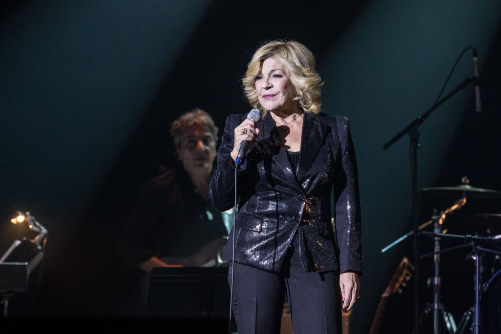 Nicoletta se produit au Bataclan le 22 novembre 2013 à Paris, en France. | Photo : Getty Images