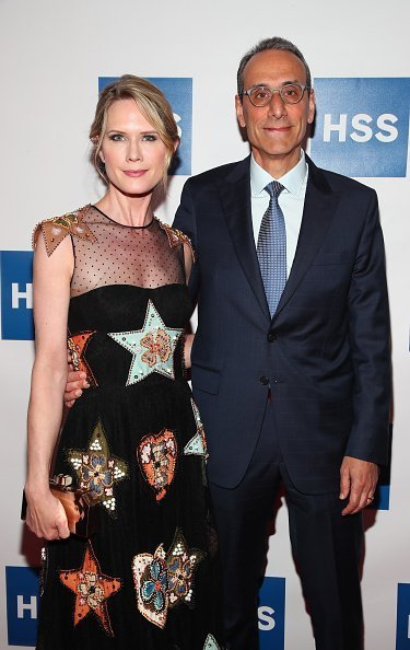 Bobby Flay and Stephanie March at the American Museum of Natural History on June 4, 2018 in New York City. | Photo: Getty Images
