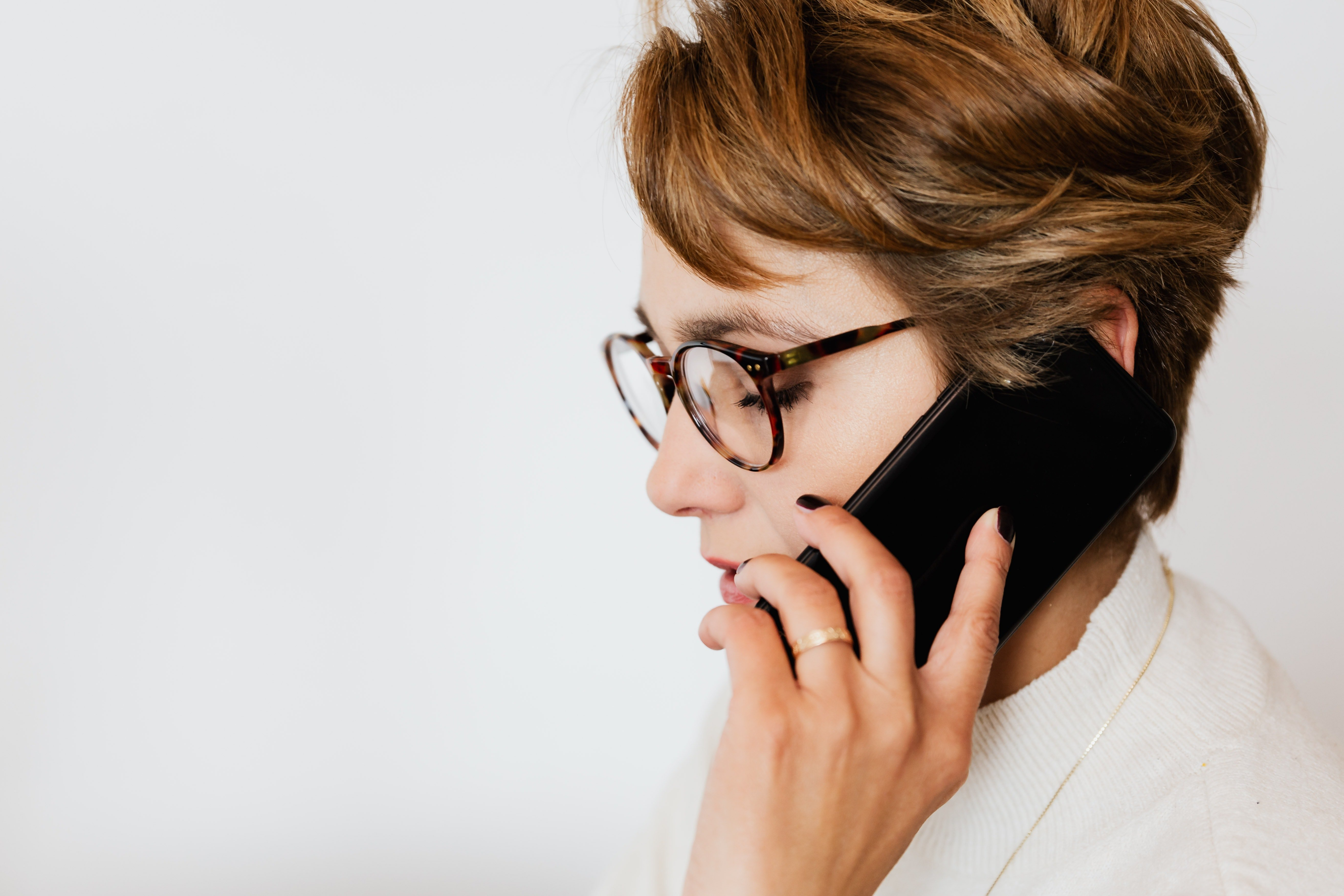 I called Jessica so that she could accompany me, but she refused   Photo: Pexels