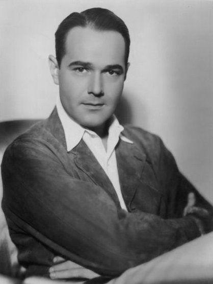A studio publicity portrait of Williams Haines | Photo: Wikimedia Commons/ Public domain