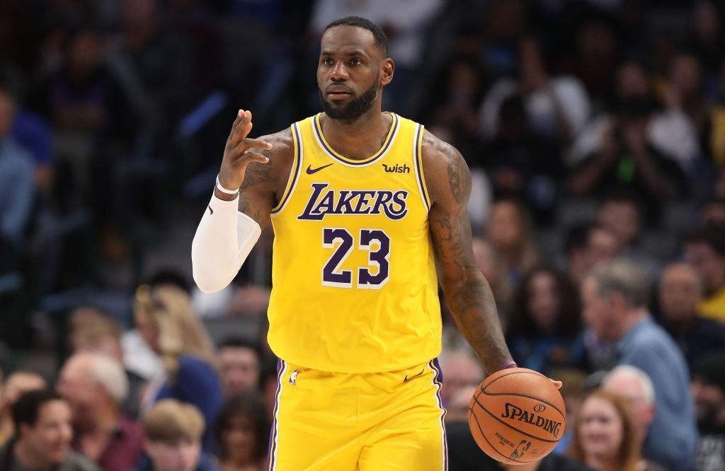 LeBron James #23 of the Los Angeles Lakers at American Airlines Center | Photo: Getty Images