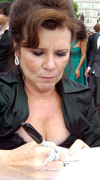 Imelda Staunton at the Harry Potter World Premiere and the Deathly Hallows, London. | Source: Wikimedia Commons