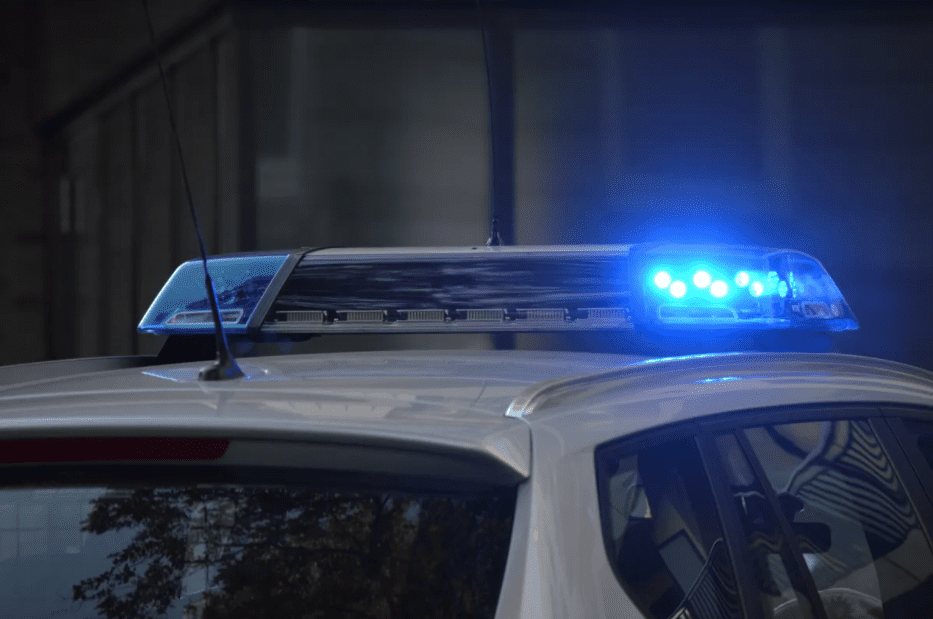 Police sirens on top of a vehicle.   Source: Pixabay
