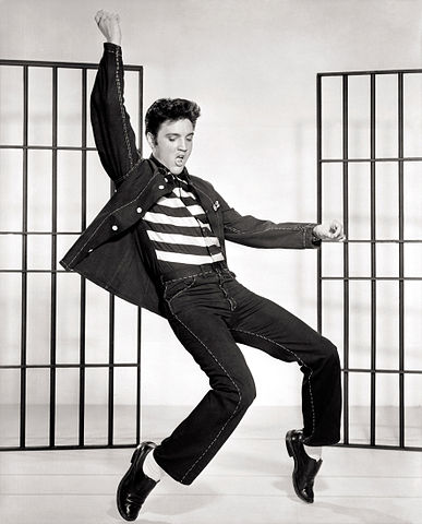 Elvis promotional photo for Jailhouse Rock, 1957. | Source: Wikimedia Commons.