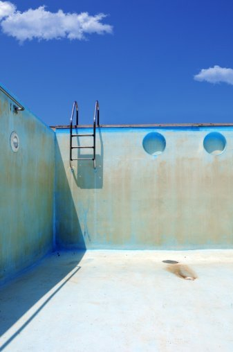 An empty swimming pool | Photo: Getty Images