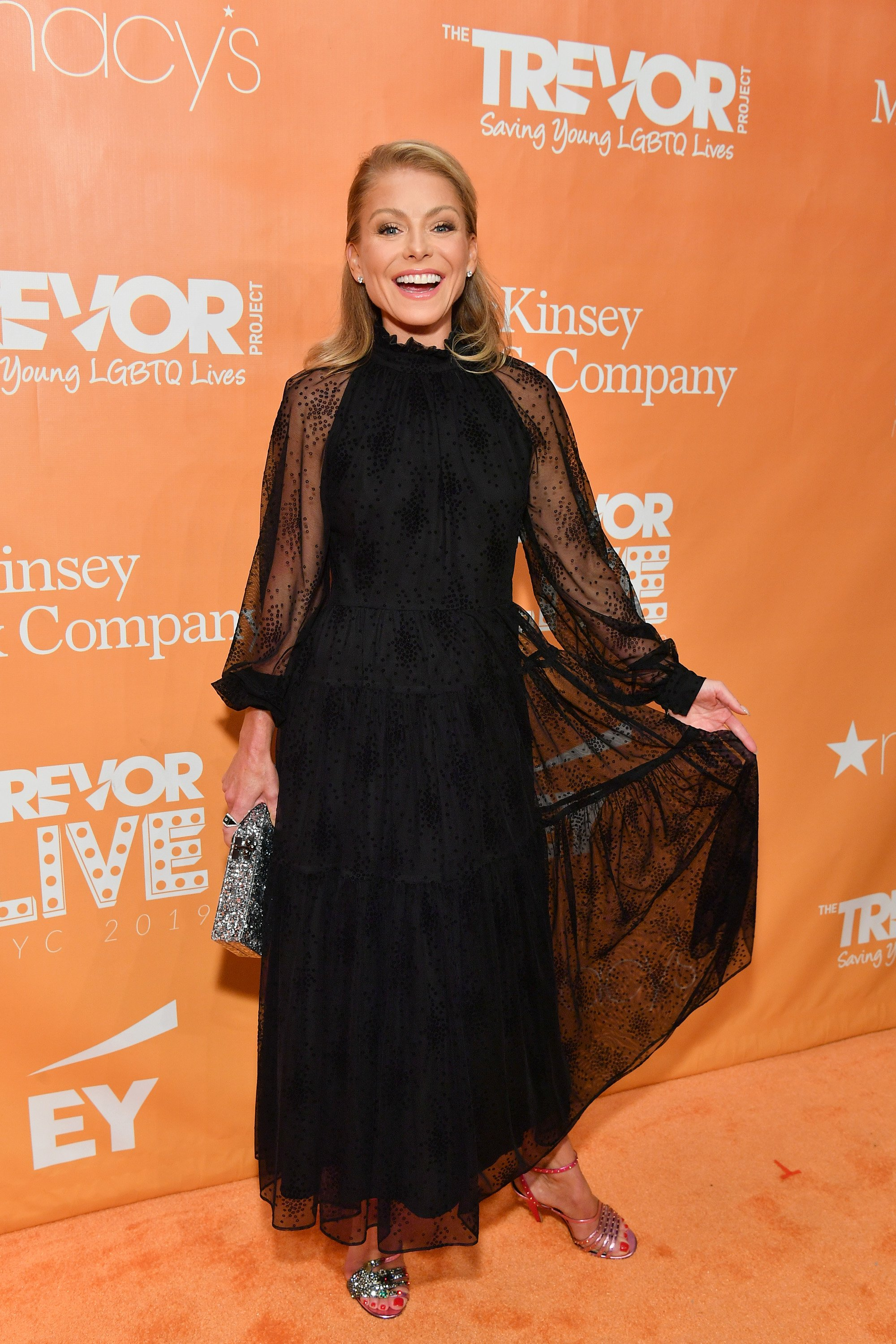 Kelly Ripa attends the 2019 TrevorLIVE New York Gala in New York City on June 17, 2019 | Photo: Getty Images