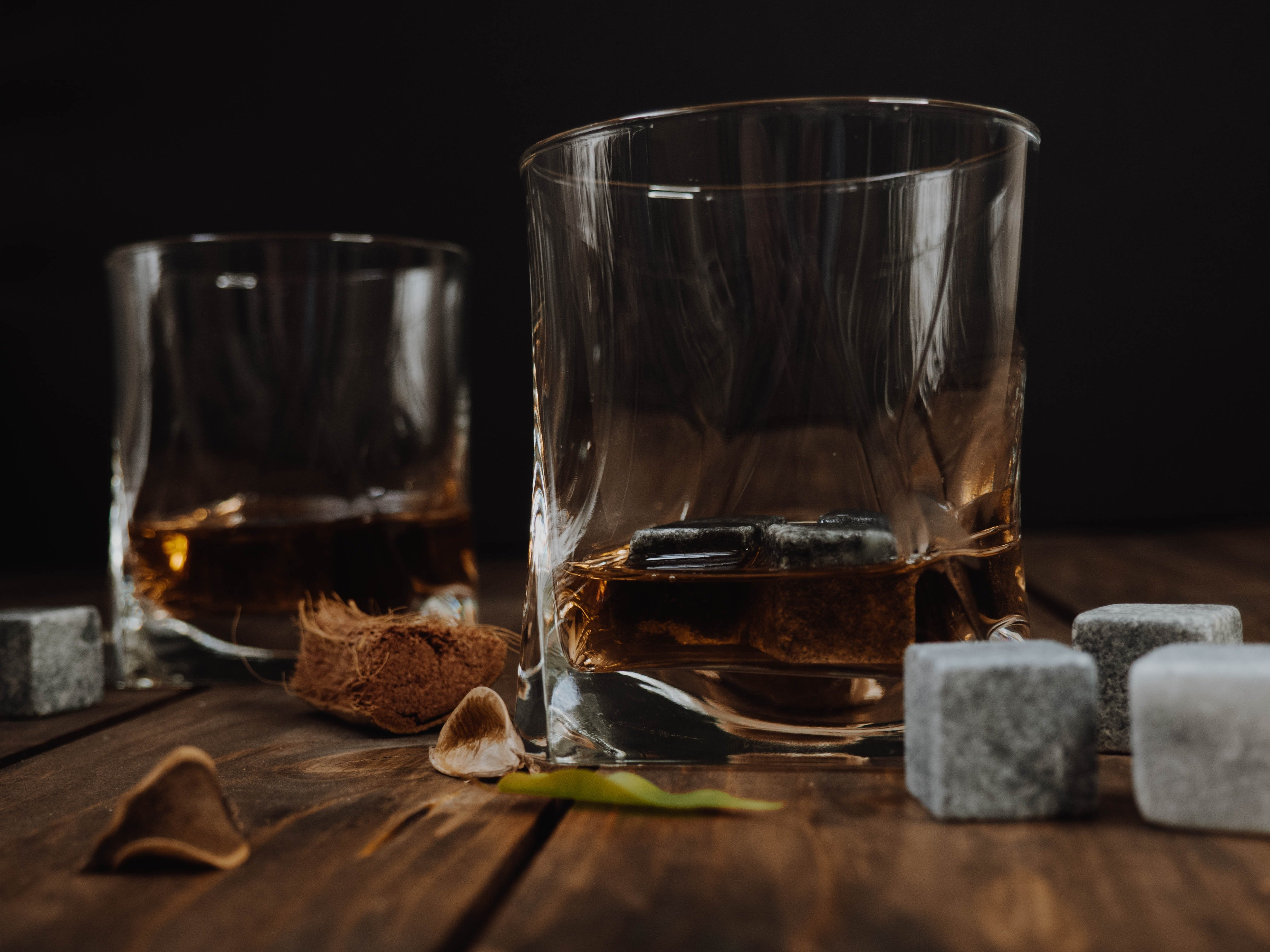 A refreshing glasses of liquor for two.   Photo: Pexels